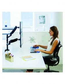 Platinum Series™ dvostruki okomiti držač monitora